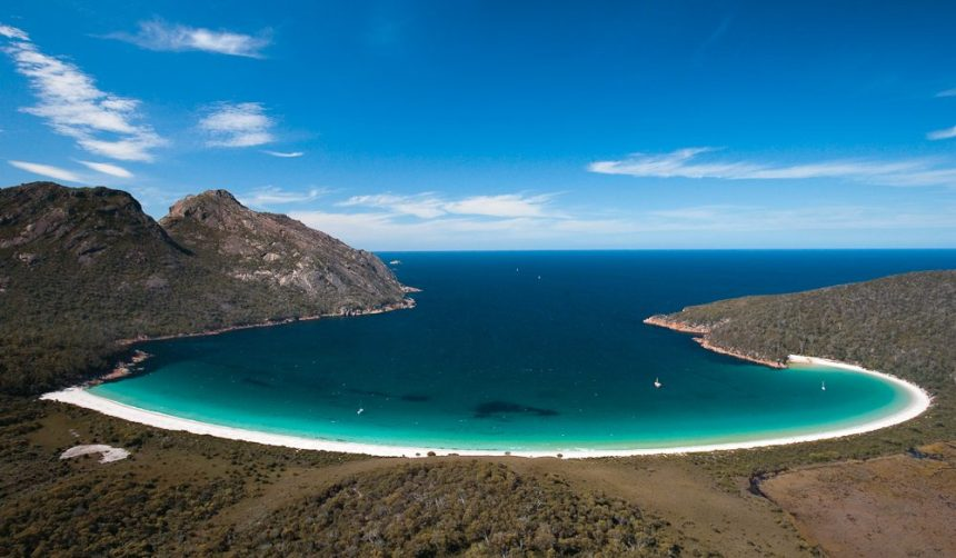 048-Wineglass-Bay-Freycinet-Peninsula-2