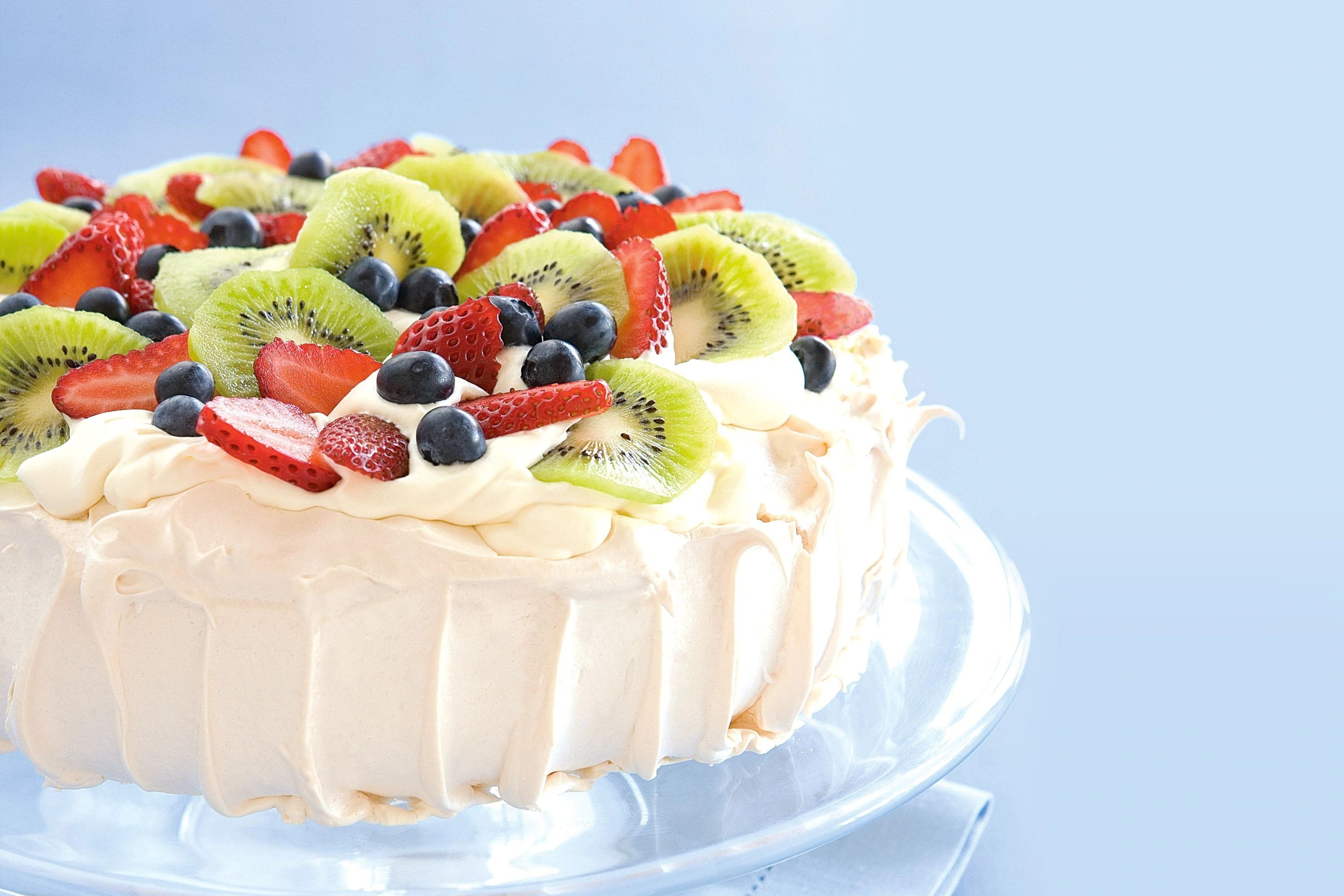 traditional-pavlova-35267-1.jpeg